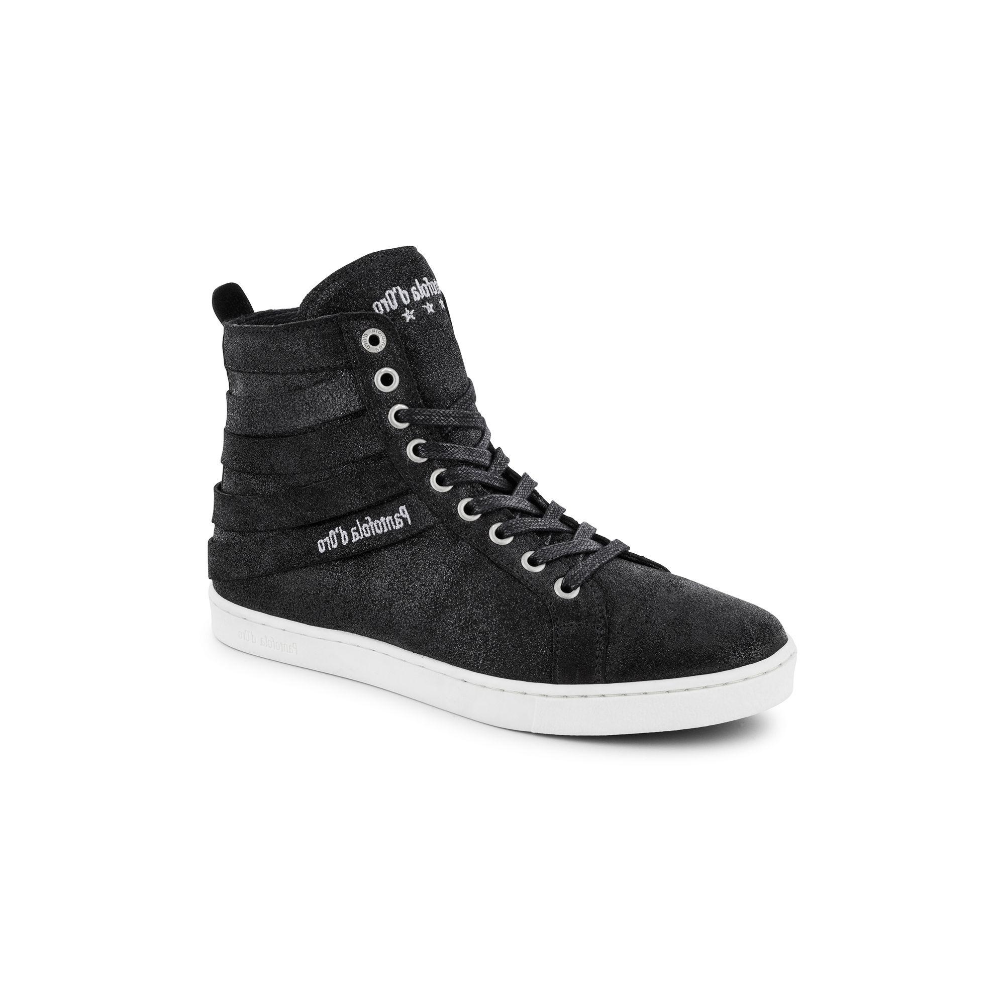 Dames sneakers van het merk pantofola d'oro in de kleur zwart. de sneakers zijn gemaakt van leer. de zool is ...