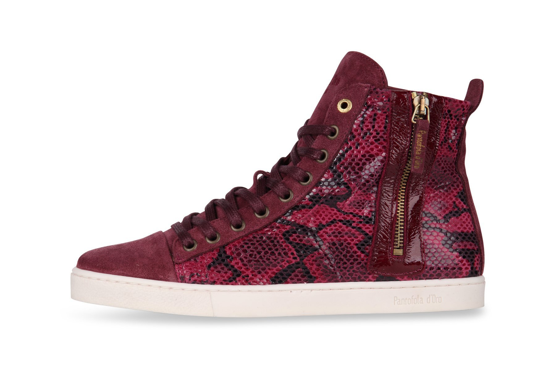 Dames sneakers van het merk pantofola d'oro in de kleur rood. de sneakers zijn gemaakt van leer. de zool is ...
